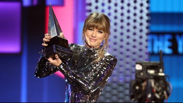 5 moments you missed at the American Music Awards