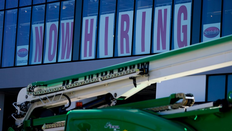 US unemployment claims drop to pandemic low 281,000