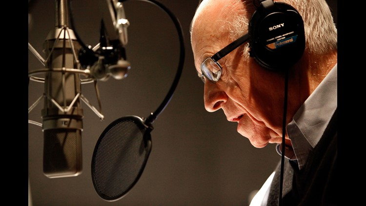 Carl Kasell, legendary NPR newsman, dies at 84