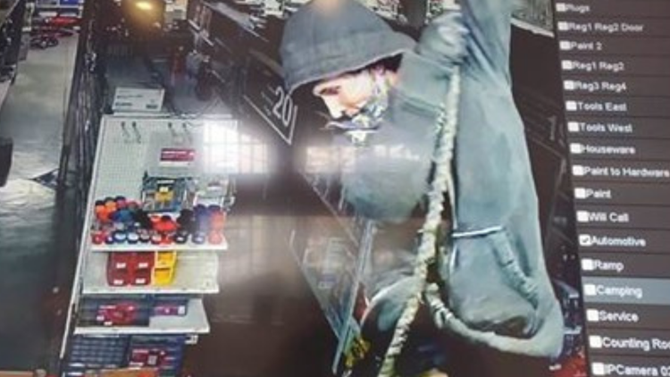 Thieves rappel into store from roof in unusual Portland burglary