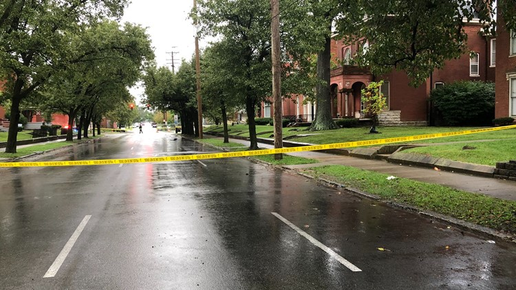 Teen killed, 2 others injured in drive-by shooting at Kentucky bus stop