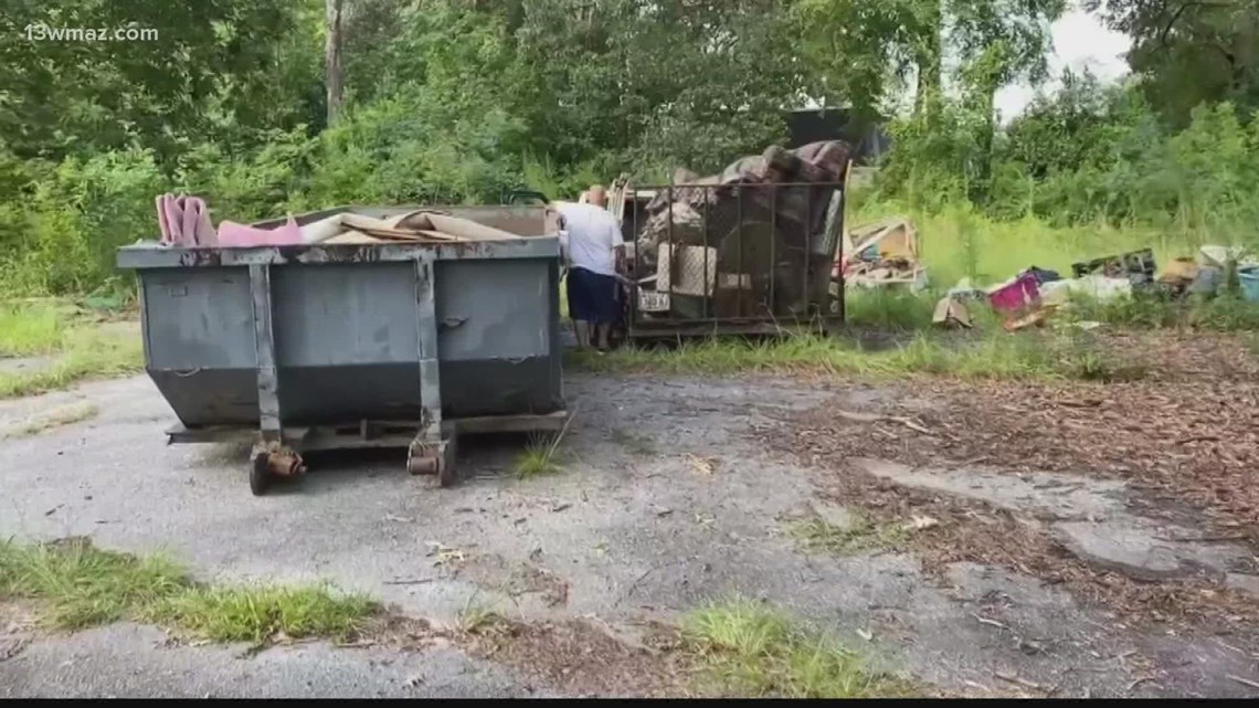 Warner Robins Dumpster Day helps residents clean out old junk