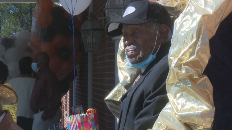 Laurens County veteran celebrates 100th birthday