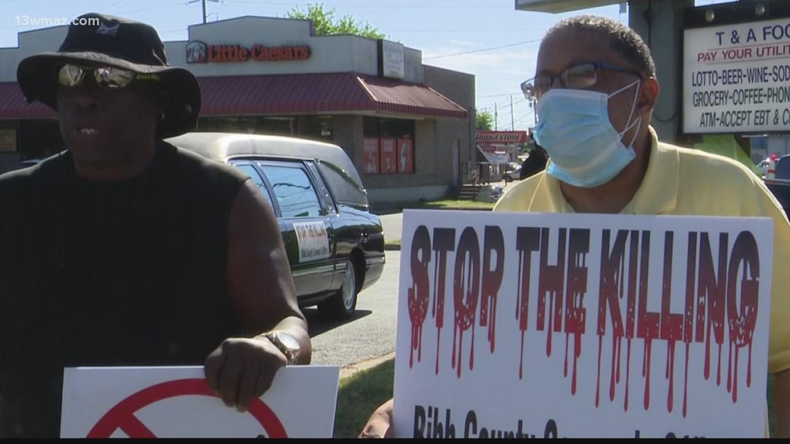 Bibb Coroner holds Stop the Killing rally in west Macon