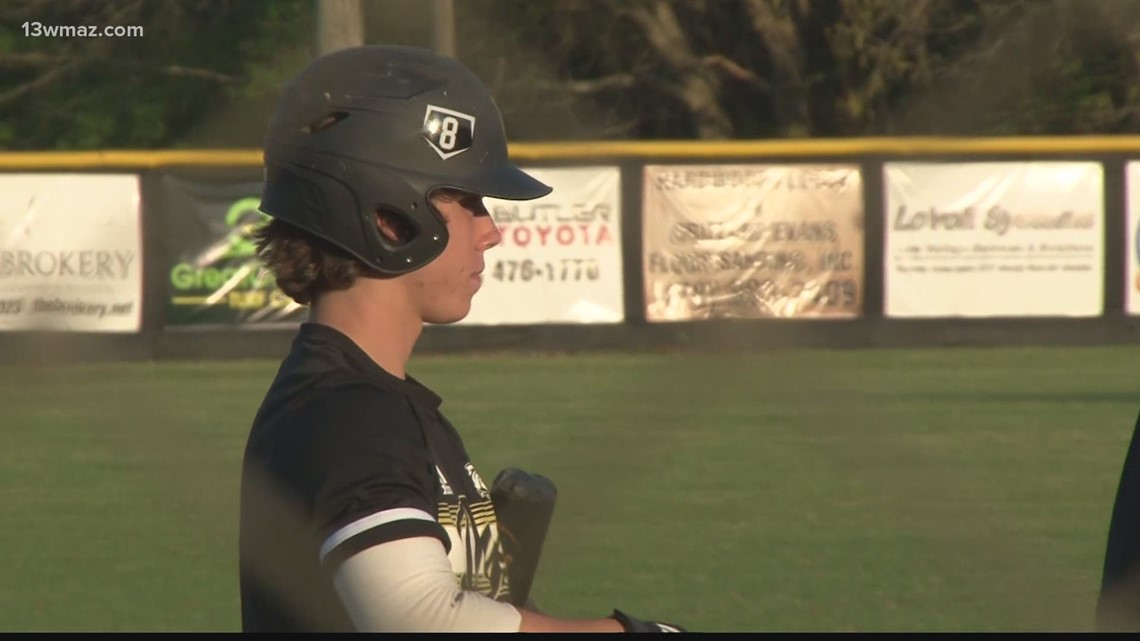 Mary Persons' Eric Snow breaks national triples record