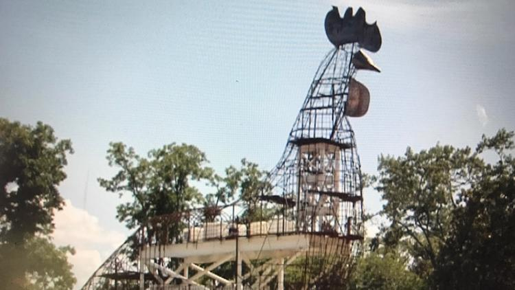 'Book that B&B right now': Fitzgerald mayor hopes giant chicken topiary will bring tourists, business