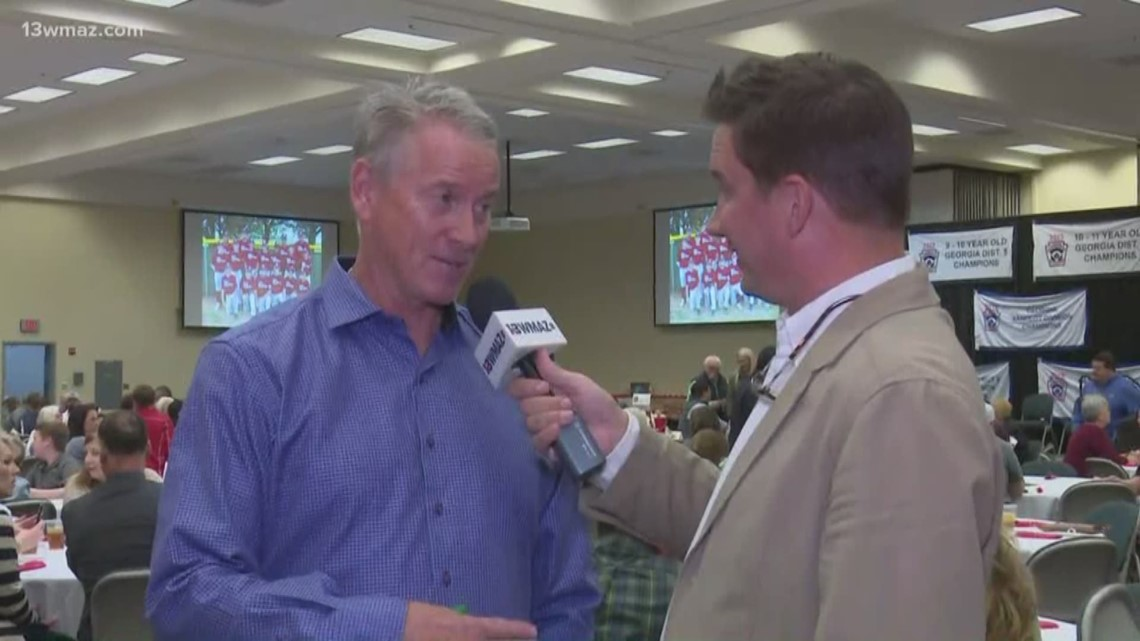 Ex-Atlanta Braves pitcher Tom Glavine speaks at Little League fundraiser in Dublin
