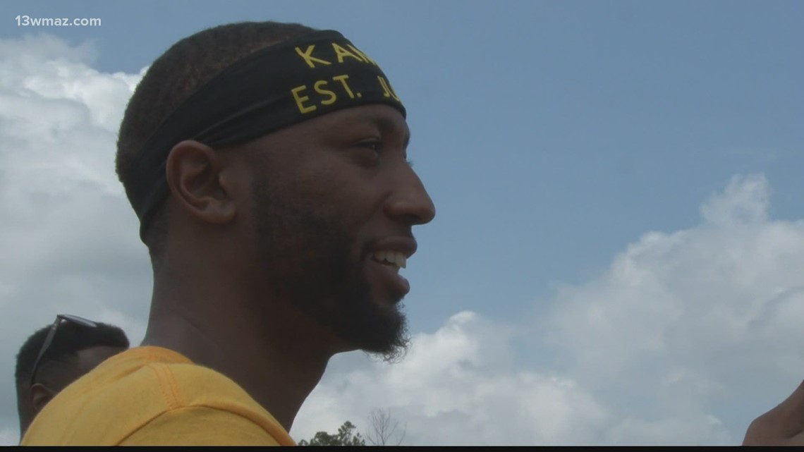 Basketball player Kammeon Holsey comes home to Hancock County to host annual community day
