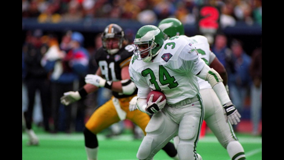 PITTSBURGH - DECEMBER 11  Running back Herschel Walker  34 of the  Philadelphia Eagles runs with the football during a game against the  Pittsburgh Steelers ... ed96ec1fe
