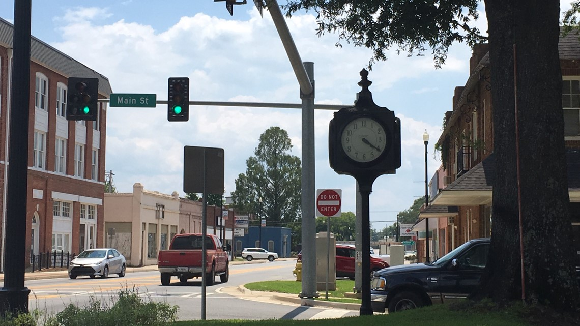 City of Fort Valley repairing historic clock downtown