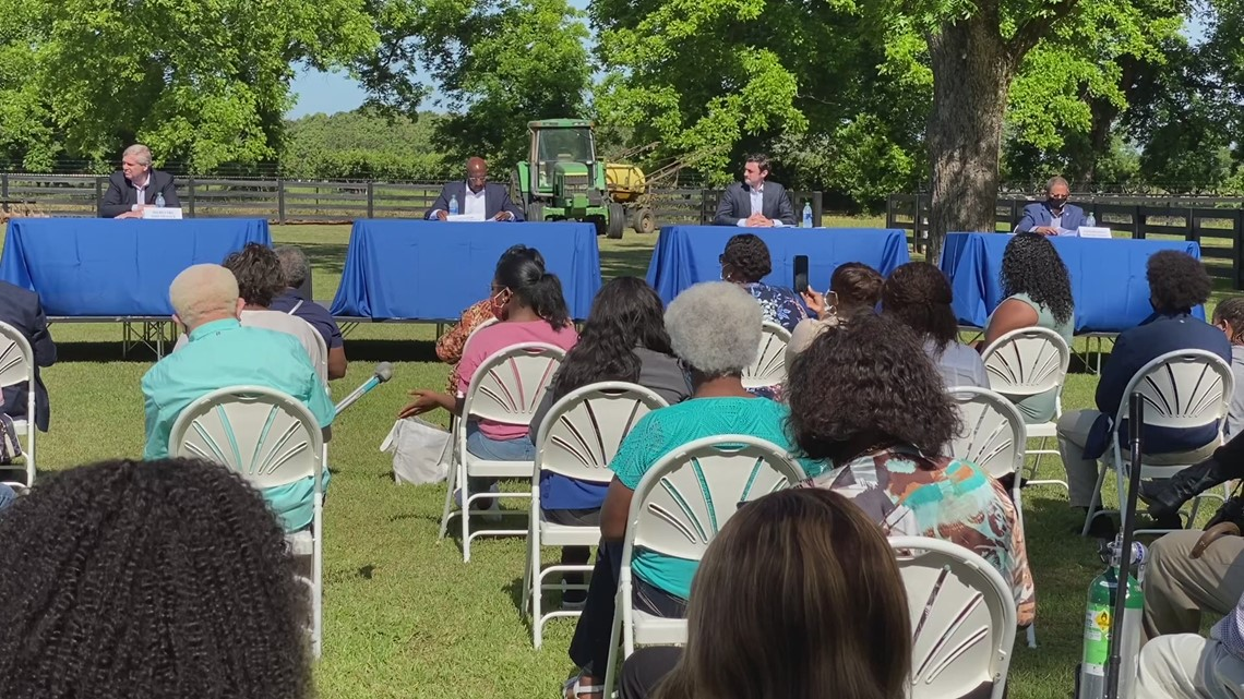 Sen. Warnock, Ossoff visit Fort Valley for agriculture roundtable with farmers
