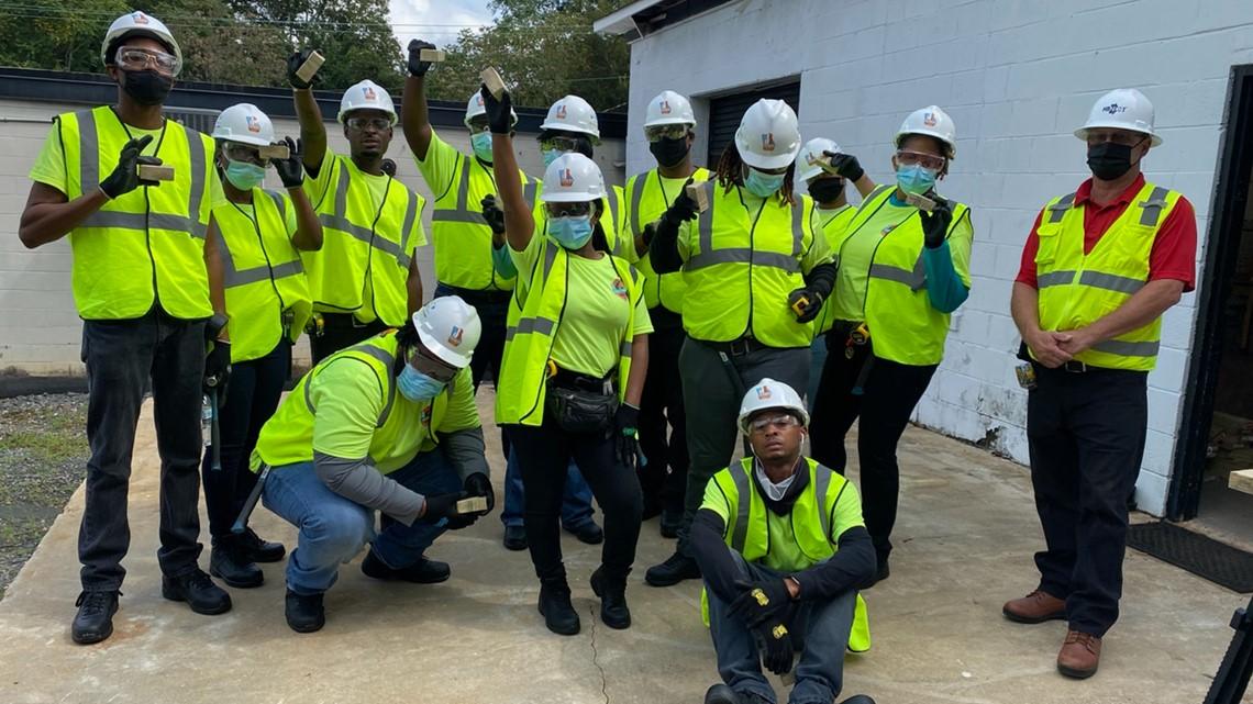 Four-week construction program in Macon teaches basics of building