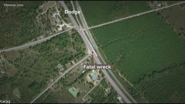Woman dead after wreck involving 18-wheeler in Dodge County