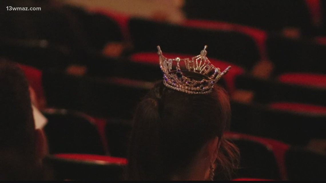 Winner Crowned in Miss Warner Robins and Miss International Pageant