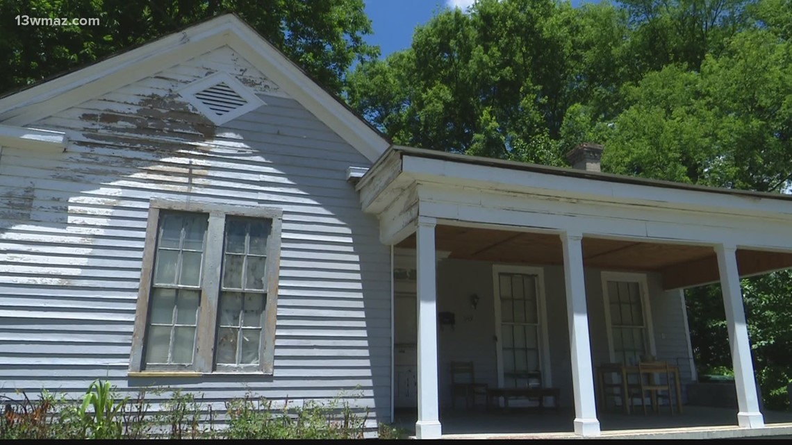 Macon nonprofit gets ready to fix up 2 homes on 'Rebuilding Day'