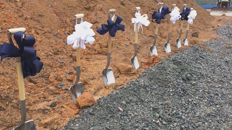 shovels_1541723237616.jpg