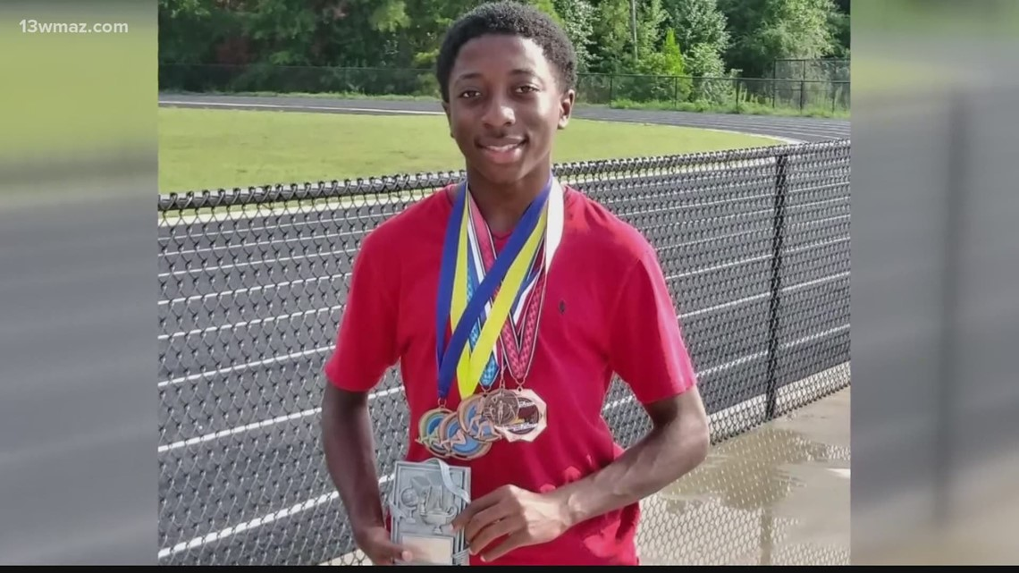 Macon County's Chance Simpson: Athlete of the Week