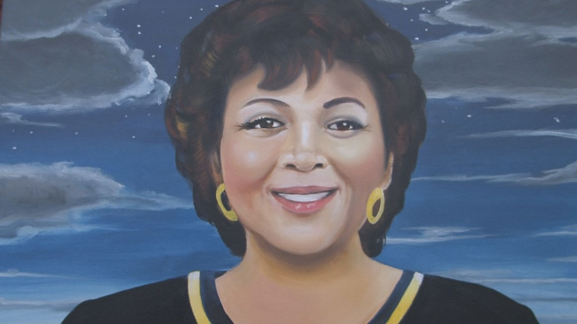 Atlanta Gas Prices >> Former 13WMAZ anchor Tina Hicks honored at Tubman museum ...