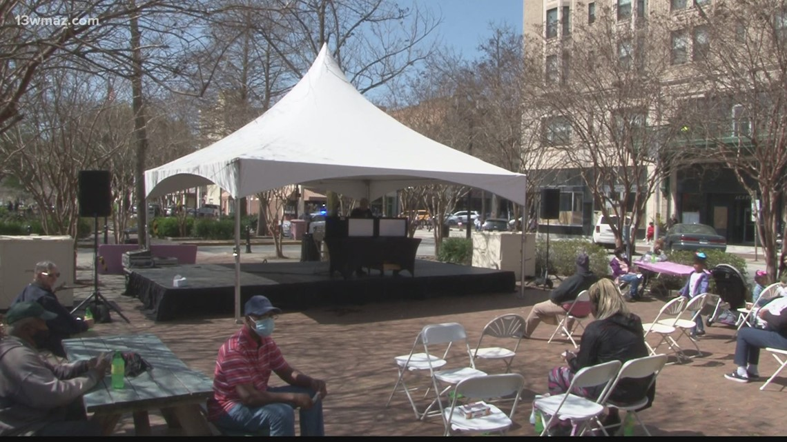 Cherry Blossom attendees enjoy food, music as festival continues