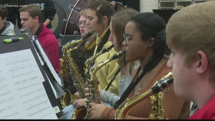 Houston County High School band preps for holiday concert