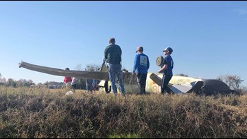 Pilot hurt when plane crashes in Johnson County