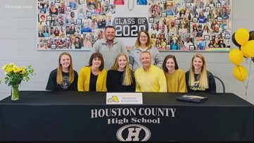 2 Houston County student athletes sign with colleges