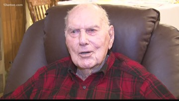 WWII veteran receives birthday cards from around the nation
