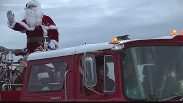 Warner Robins Christmas parade brings families together