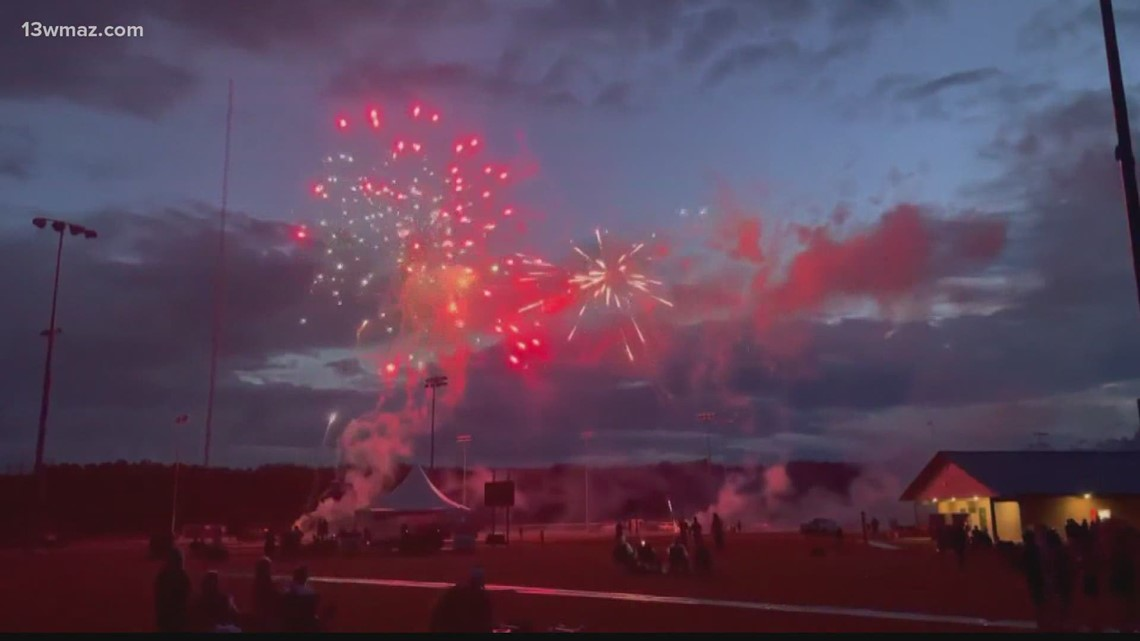 Jones County celebrates with Gray Independence Day fireworks show