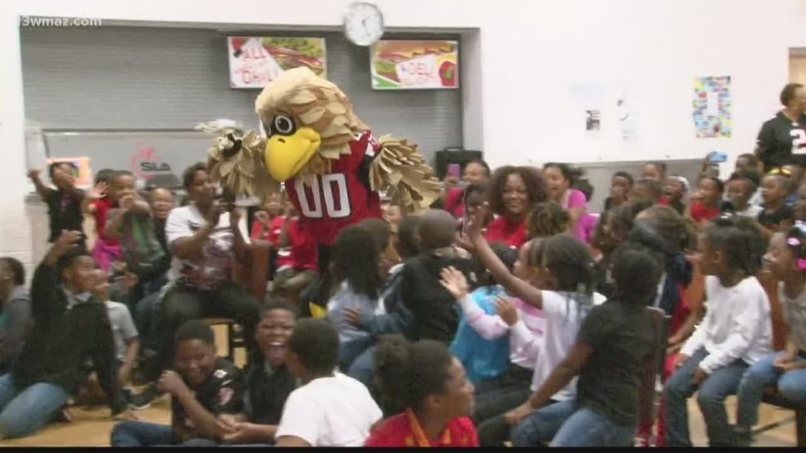 Atlanta Falcons mascot promotes healthy lifestyles at Cirrus Academy in Macon