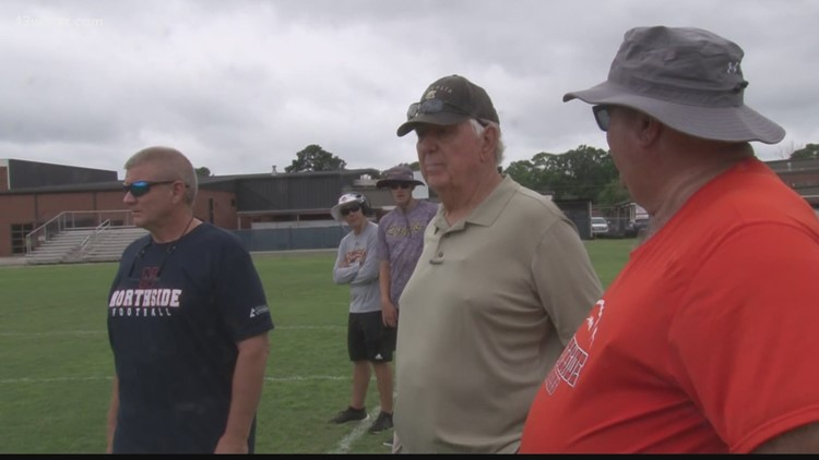 Northside High School honors former coach Conrad Nix with 7-on-7 passing camp