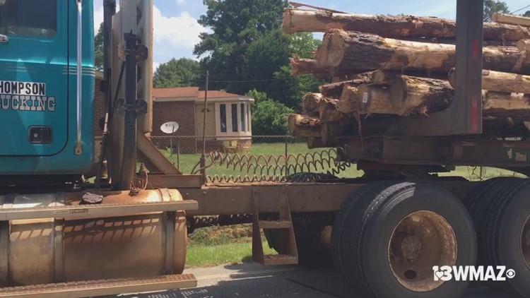 Log truck wreck on Jeffersonville Road