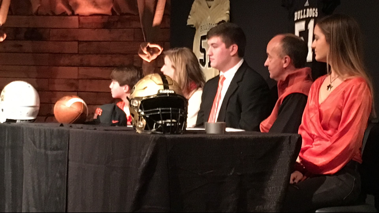 Colton Dingmore signs to Mercer