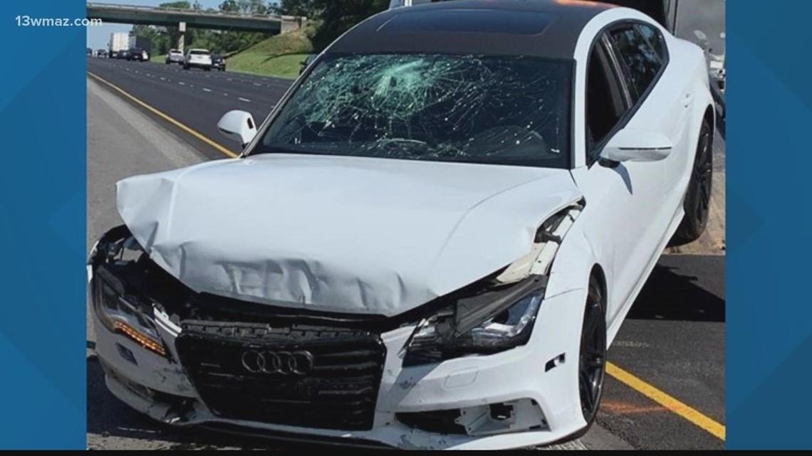 Monroe County deputy injured, suspect in custody after car slams into barrier