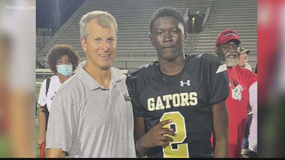 Mossy Creek Middle School football player offered spot on University of Georgia's 2025 team
