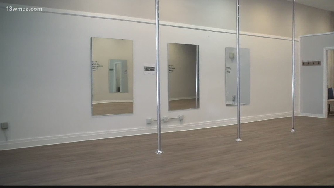 Customers concerned after Macon pole dance studio seemingly closes without notice
