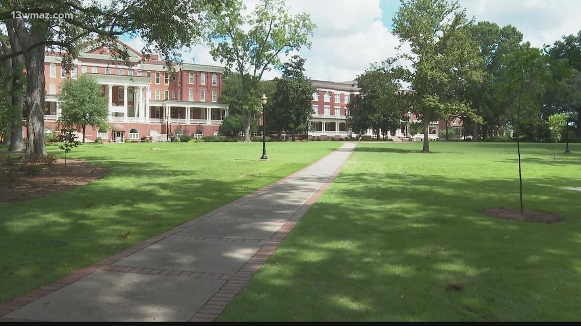 Georgia College professor resigns over no mask mandate on campus