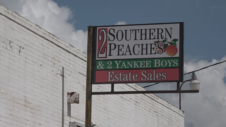 2 Southern Peaches