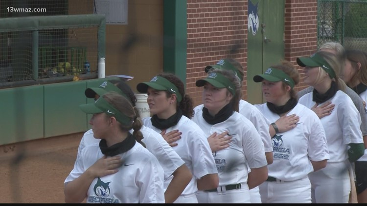 Georgia College softball falls to Catawba