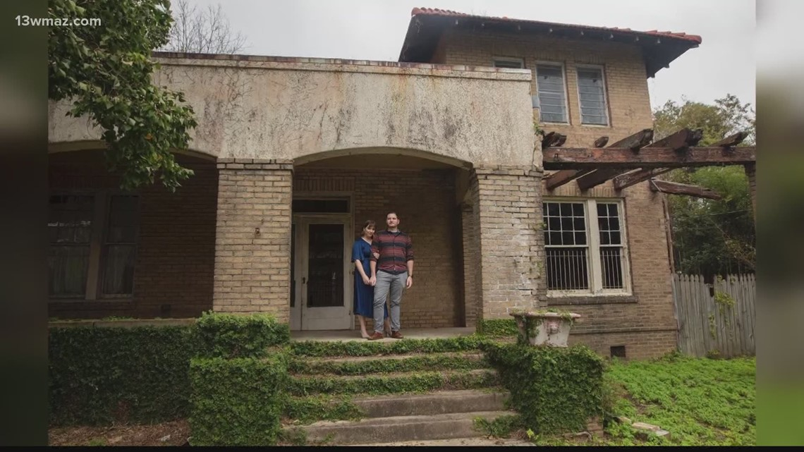 Macon couple renovating, offering tour of historic home