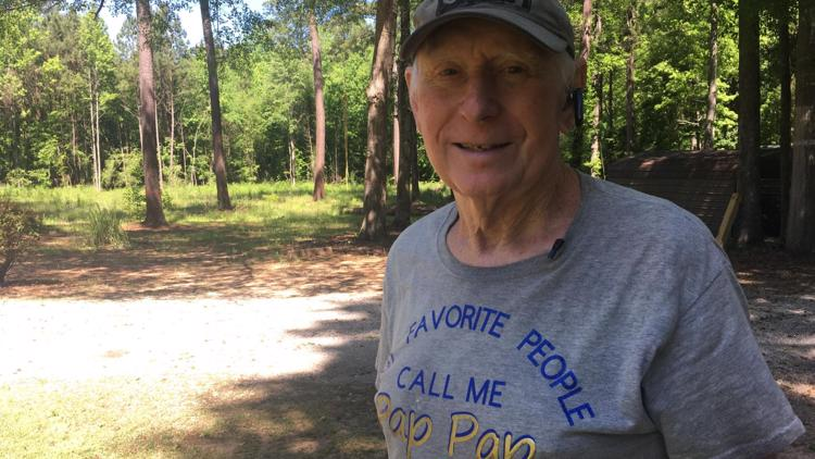 'He's an inspiration':  75-year-old Central Georgia man walks from Putnam to Baldwin each day