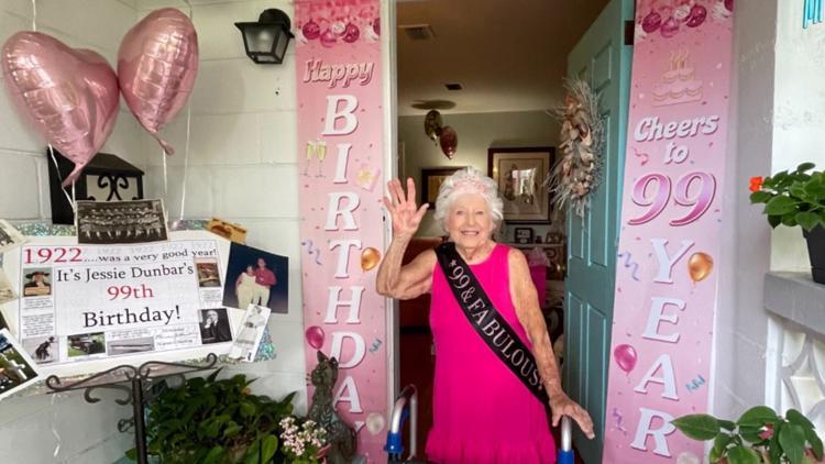 World War II veteran celebrates 99th birthday