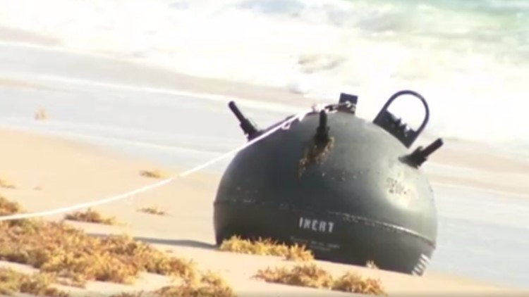 Mine washes up onto Florida beach