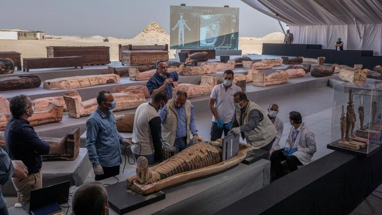 At least 100 ancient coffins, 40 statues found in Egypt