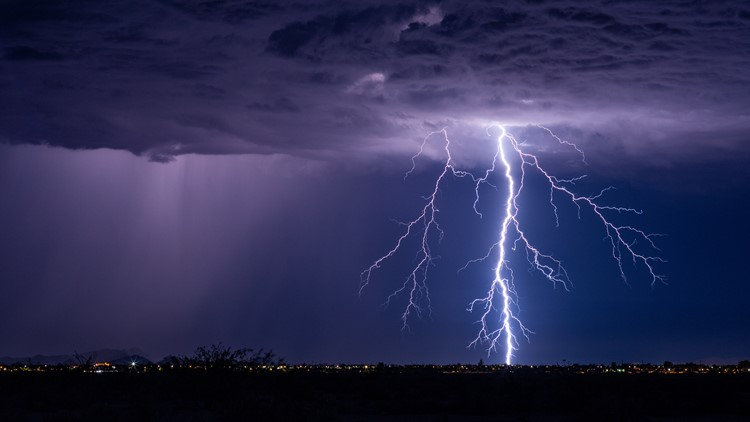 Florida Couple hospitalized after being struck by lightning on Sanibel Beach
