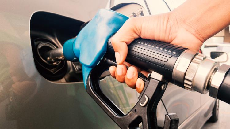 Gas could hit $3 a gallon by Memorial Day, energy experts warn — so why the spike?
