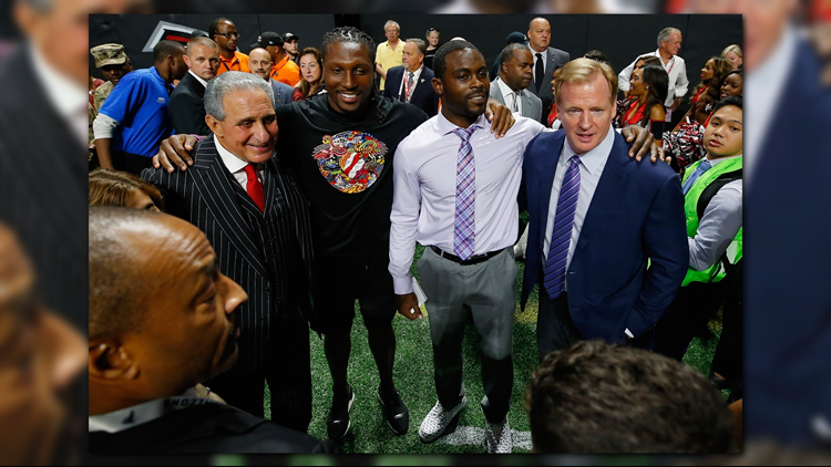 Michael Vick to Help Coach Professional Atlanta Football Team