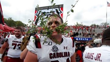 Georgia fans furious over South Carolina's hedge-ripping celebration